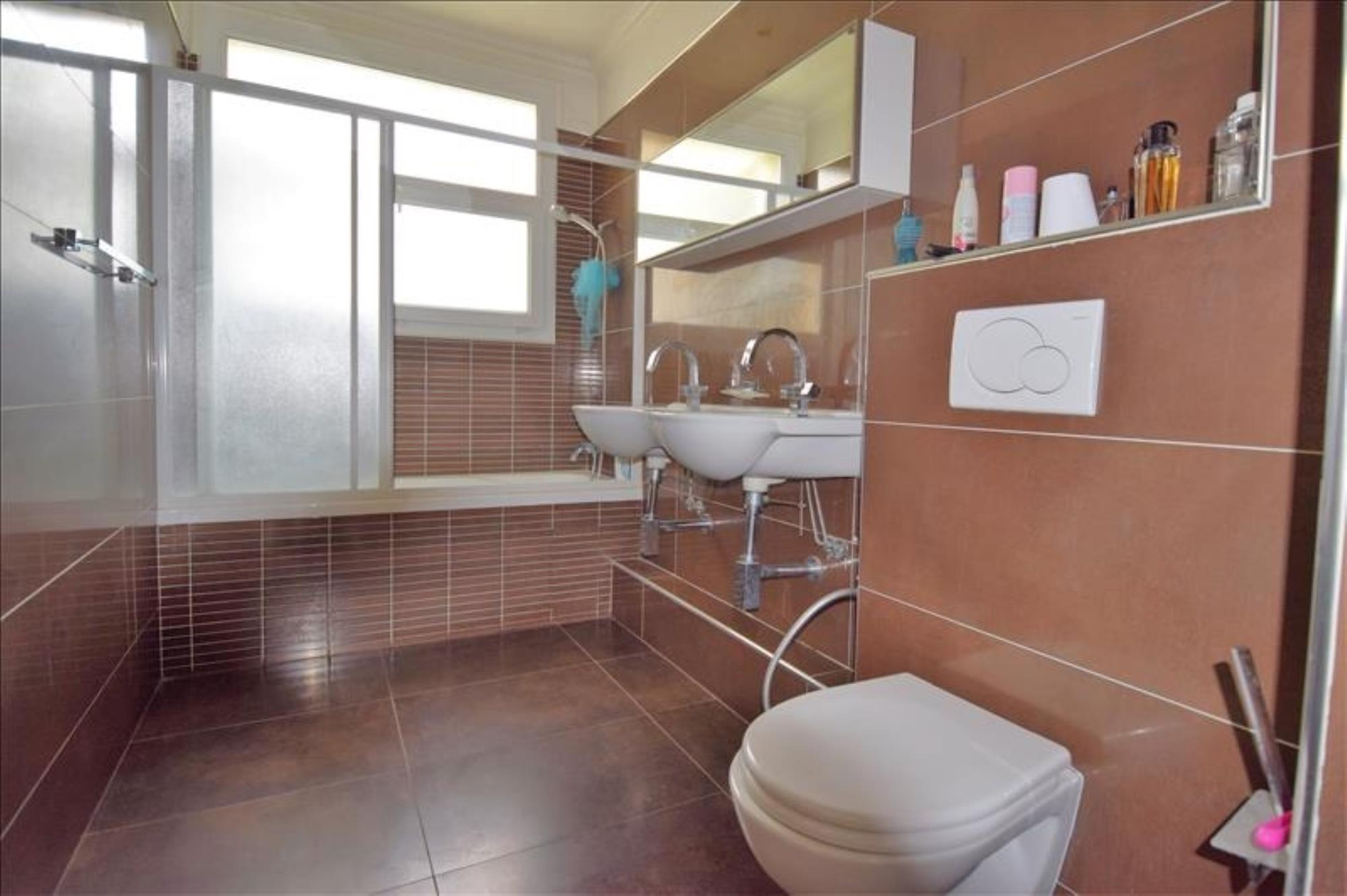 APPARTEMENT 5 pièces à CHATOU de 142,2 m²