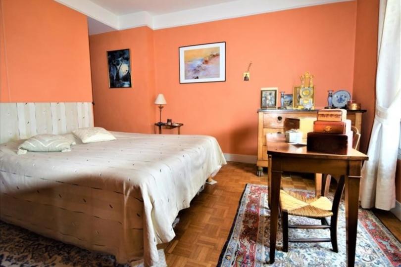 APPARTEMENT 5 pièces à CHATOU de 129,28 m²