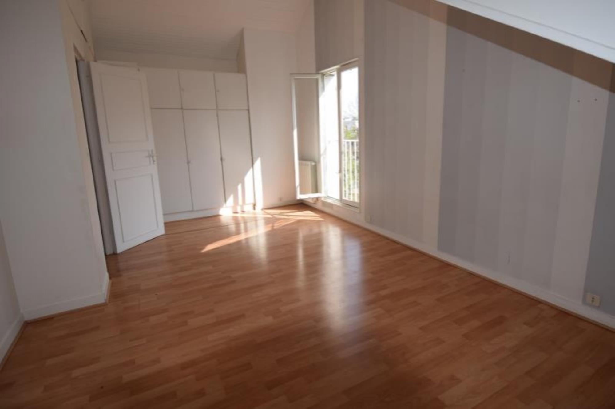 MAISON 8 pièces à LE VESINET de 212 m²