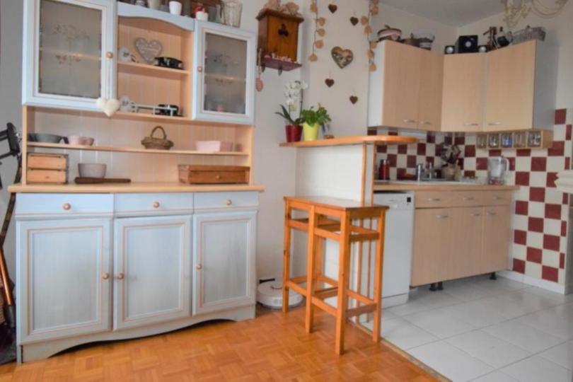 APPARTEMENT 5 pièces à CHATOU de 82,15 m²