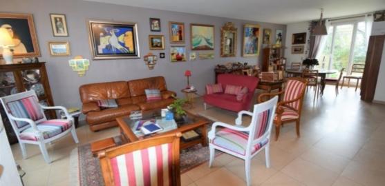 MAISON 7 pièces à LE VESINET de 155 m²