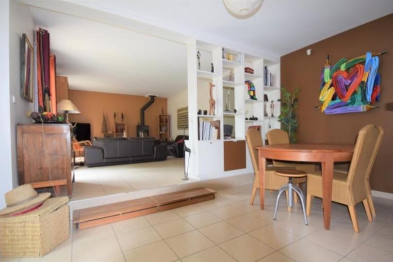 MAISON 8 pièces à CHATOU de 178,16 m²
