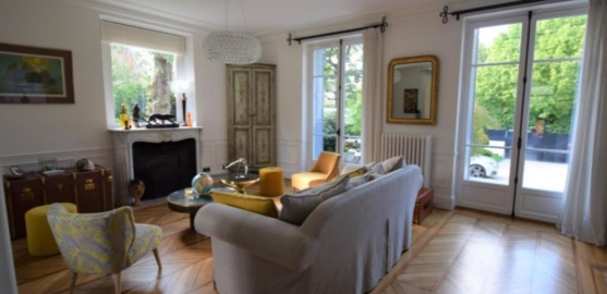 MAISON 9 pièces à LE VESINET de 305,21 m²