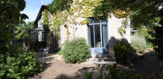 MAISON 7 pièces à CHATOU de 185,46 m²